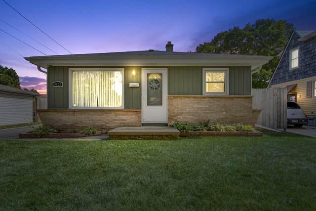 9829 W Harrison Ave, West Allis, WI 53227 (#1755271) :: Tom Didier Real Estate Team