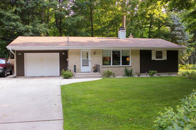 1120 Indian Mound Rd, Wilson, WI 53081 (#1755306) :: RE/MAX Service First