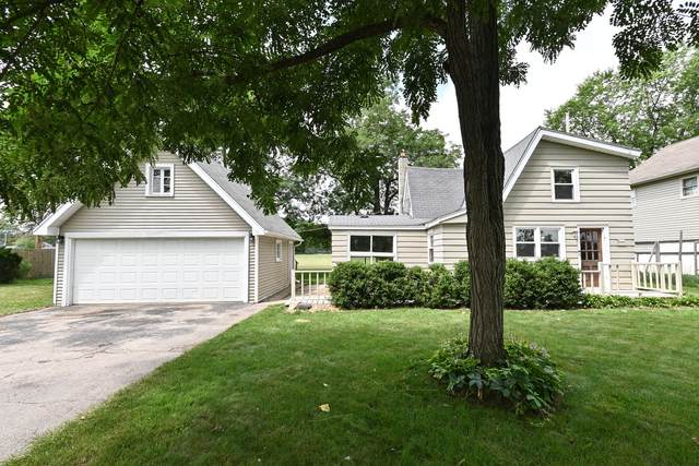 W273N2593 Prospect Ave, Pewaukee, WI 53072 (#1755316) :: RE/MAX Service First