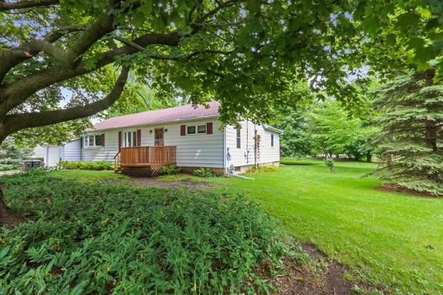 204 Read St, Walworth, WI 53184 (#1755330) :: Tom Didier Real Estate Team