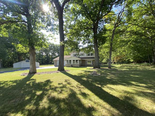 N24W26700 Accent Ct, Pewaukee, WI 53072 (#1755364) :: RE/MAX Service First