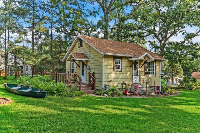 24204 64th St, Paddock Lake, WI 53168 (#1755389) :: OneTrust Real Estate
