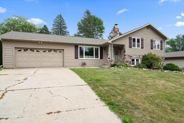 924 Fairview Dr, Port Washington, WI 53074 (#1755400) :: OneTrust Real Estate
