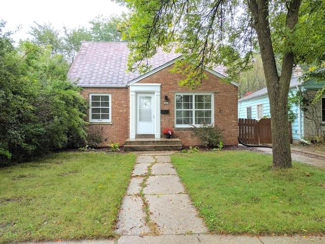 2660 N 64th St, Wauwatosa, WI 53213 (#1755428) :: RE/MAX Service First