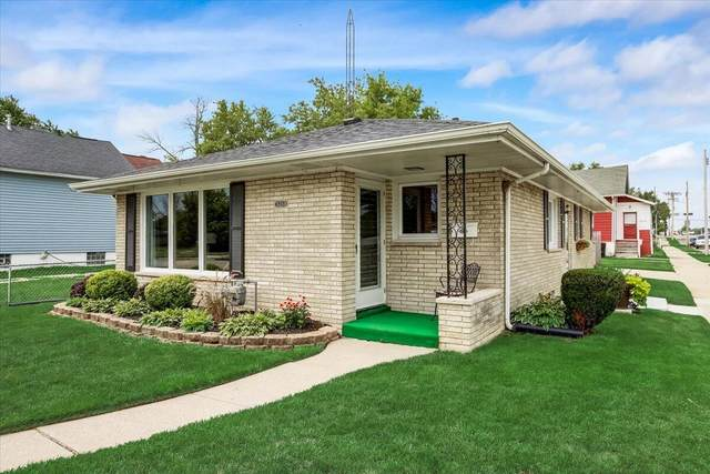 3218 Caledonia St, Racine, WI 53402 (#1755439) :: EXIT Realty XL
