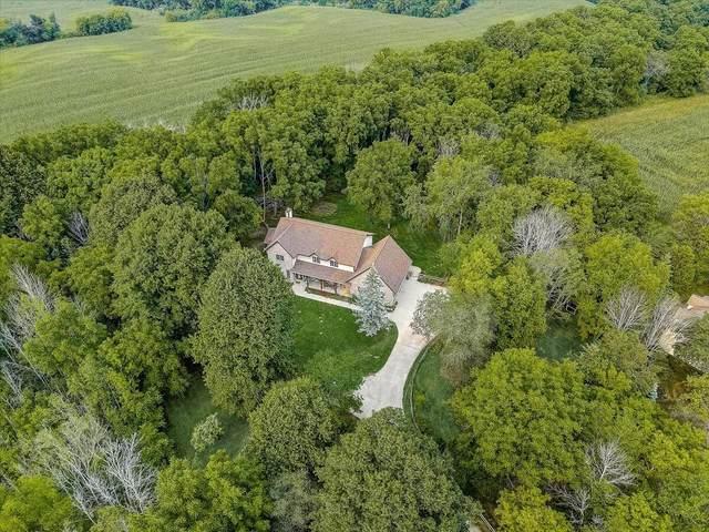 1374 Stand Hill Cir, Farmington, WI 53090 (#1755458) :: OneTrust Real Estate