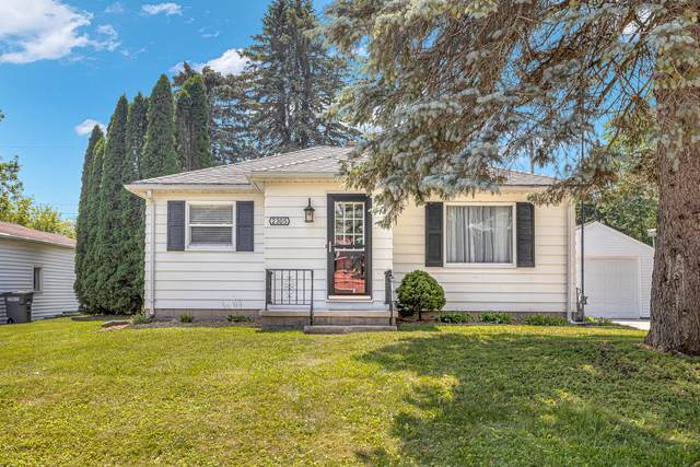 2305 Mayflower Ave, Sheboygan, WI 53083 (#1755482) :: RE/MAX Service First