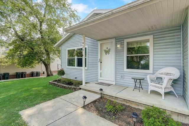 925 Pope St, Lake Mills, WI 53551 (#1755488) :: RE/MAX Service First