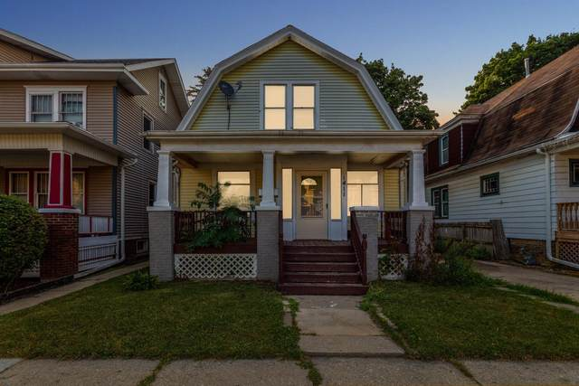 1411 Carlisle Ave, Racine, WI 53404 (#1755494) :: RE/MAX Service First