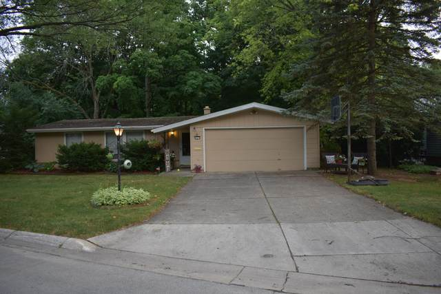 6017 Briarclift Ct, Greendale, WI 53129 (#1755500) :: OneTrust Real Estate