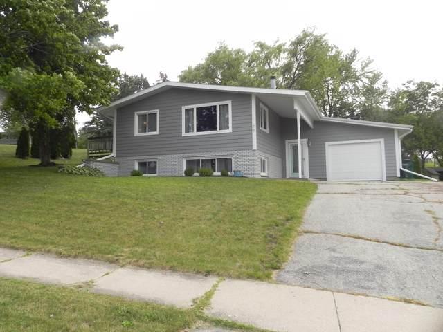 99 Summit St, Hartford, WI 53027 (#1755505) :: OneTrust Real Estate