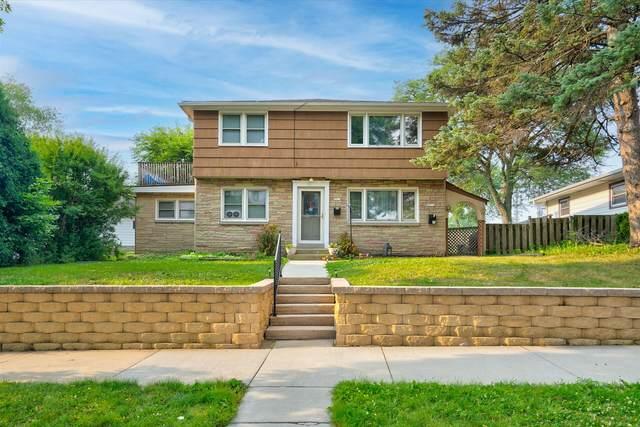 5011 W Ohio A, Milwaukee, WI 53219 (#1755519) :: OneTrust Real Estate