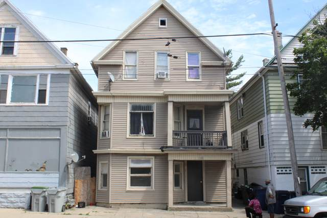 2506 S 6th St, Milwaukee, WI 53215 (#1755521) :: OneTrust Real Estate