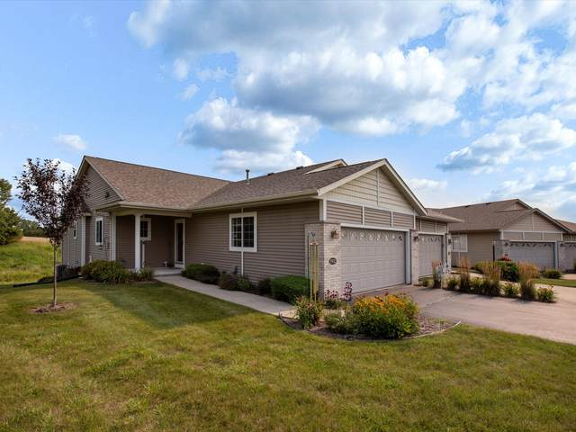 1952 Ravenswood Ln, Manitowoc, WI 54220 (#1755525) :: RE/MAX Service First