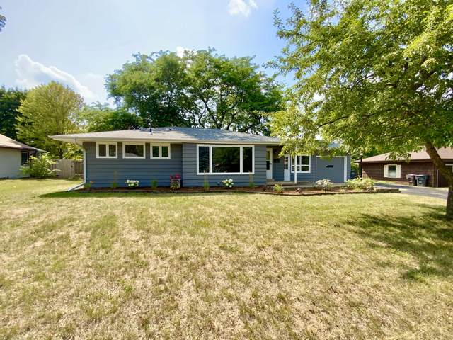 921 Park View Ln, Mukwonago, WI 53149 (#1755540) :: RE/MAX Service First