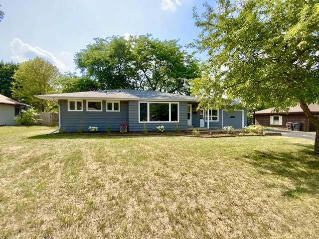 921 Park View Ln, Mukwonago, WI 53149 (#1755540) :: OneTrust Real Estate