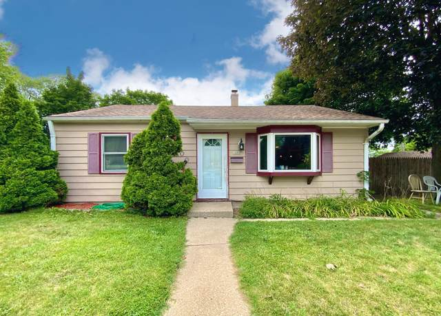 1800 Highland Ave, Waukesha, WI 53186 (#1755622) :: RE/MAX Service First