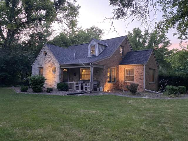 2415 Eastwood Ln, Brookfield, WI 53005 (#1755653) :: Re/Max Leading Edge, The Fabiano Group