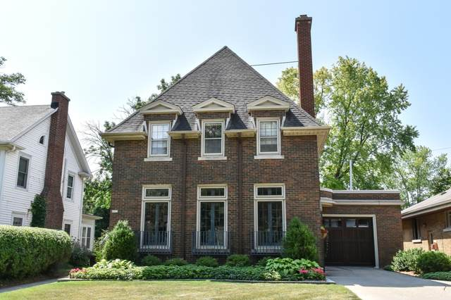 6927 Wellauer Dr, Wauwatosa, WI 53213 (#1755815) :: OneTrust Real Estate