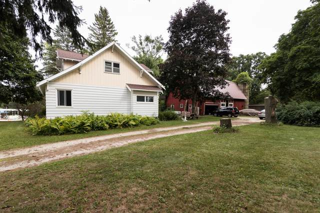 N62W23527 Silver Spring Dr, Sussex, WI 53089 (#1755826) :: EXIT Realty XL