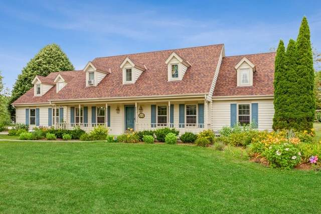 2179 Hillcrest Dr, Delafield, WI 53018 (#1755847) :: EXIT Realty XL