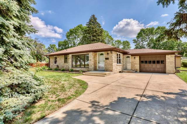 2206 S 105th St, West Allis, WI 53227 (#1755865) :: OneTrust Real Estate