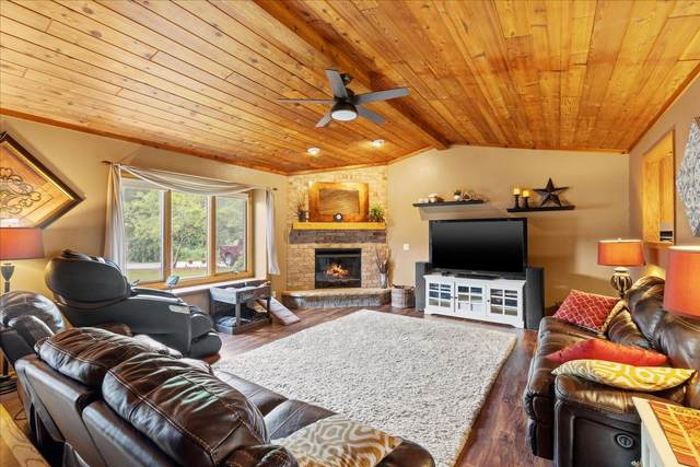 7516 S Drake Ln, Franklin, WI 53132 (#1755907) :: Re/Max Leading Edge, The Fabiano Group