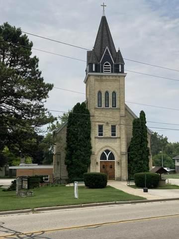 415 W Capitol Dr, Hartland, WI 53029 (#1755912) :: Keller Williams Realty - Milwaukee Southwest