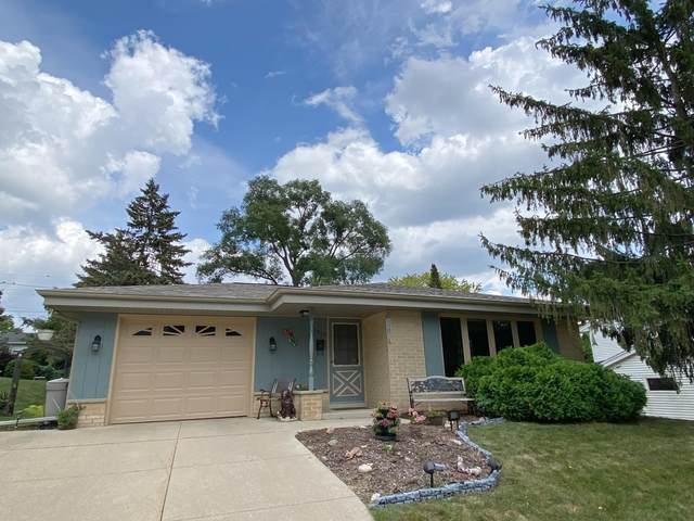 1913 Empire Dr, Waukesha, WI 53186 (#1756037) :: EXIT Realty XL