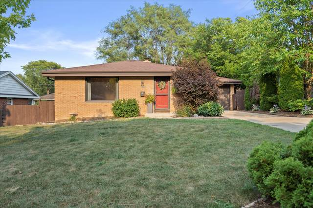 5641 W Andover Rd, Milwaukee, WI 53219 (#1756648) :: EXIT Realty XL