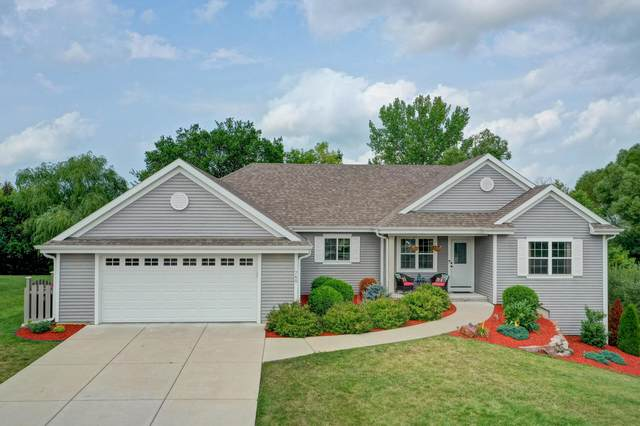 760 Summerset Dr, Johnson Creek, WI 53038 (#1756987) :: EXIT Realty XL