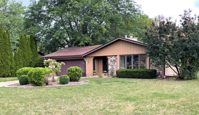 W125S7575 Essex Ct, Muskego, WI 53150 (#1757062) :: RE/MAX Service First