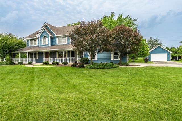 W5540 Double Dr, Walworth, WI 53184 (#1757117) :: Tom Didier Real Estate Team