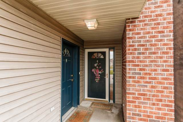 N16W26534 Wild Oats Dr C, Pewaukee, WI 53072 (#1757191) :: RE/MAX Service First
