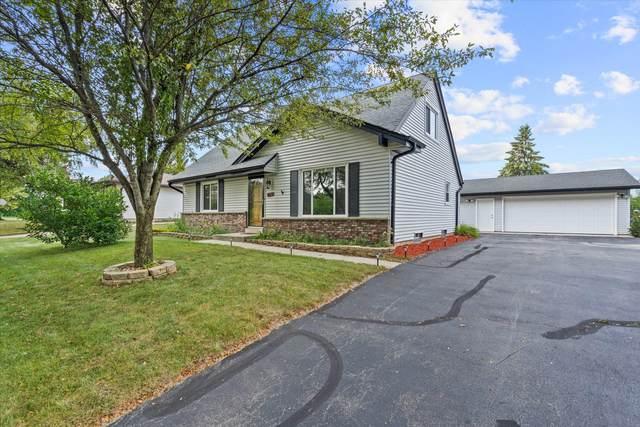 924 E Minnesota Ave, Oak Creek, WI 53154 (#1757370) :: RE/MAX Service First