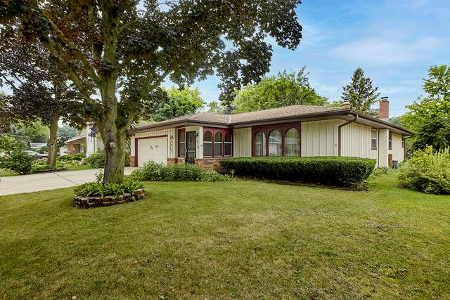 1816 Dixie Dr, Waukesha, WI 53189 (#1757481) :: EXIT Realty XL