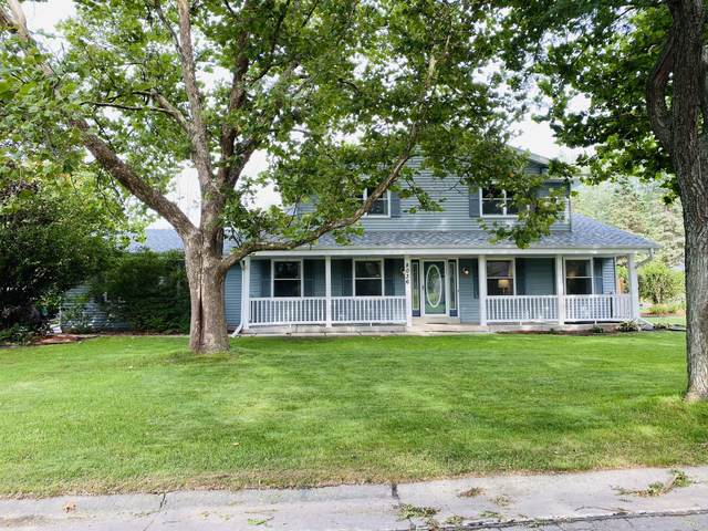 8036 S 77th St, Franklin, WI 53132 (#1758101) :: OneTrust Real Estate