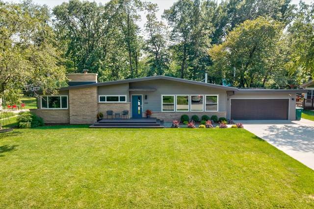 2125 W Greenwood Rd, Glendale, WI 53209 (#1758126) :: EXIT Realty XL