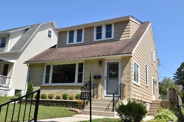 3552 N Murray Ave, Shorewood, WI 53211 (#1758142) :: Tom Didier Real Estate Team