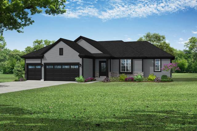 2709 Red Oak Ln, East Troy, WI 53120 (#1758181) :: EXIT Realty XL