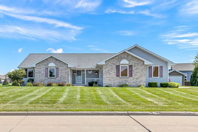 2403 Fox Chase Dr, Manitowoc, WI 54220 (#1758450) :: EXIT Realty XL