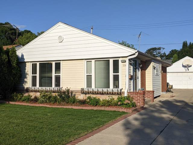 554 Robertson St, Wauwatosa, WI 53213 (#1758699) :: RE/MAX Service First