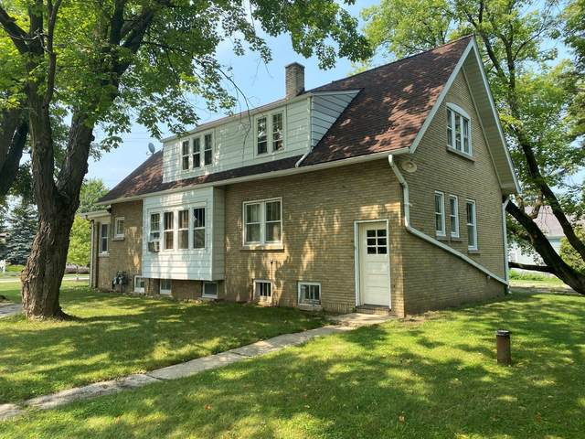 11110 N Wauwatosa Rd, Mequon, WI 53097 (#1758708) :: Tom Didier Real Estate Team