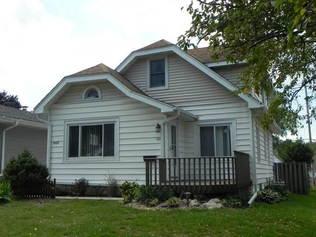 927 S 101st St, West Allis, WI 53214 (#1758726) :: Tom Didier Real Estate Team