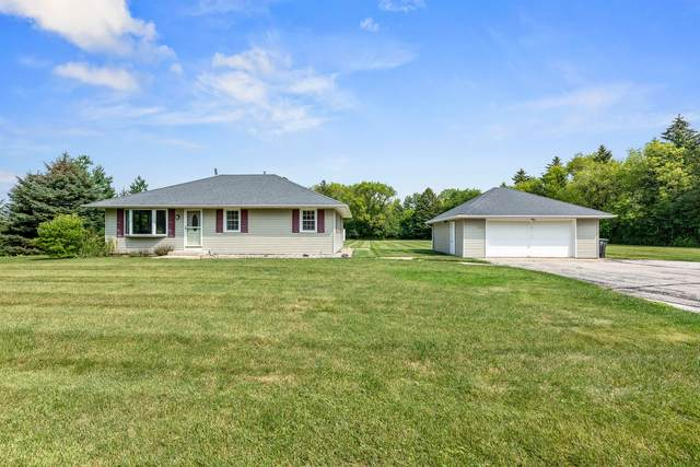 598 Valley Rd, Oconomowoc, WI 53066 (#1758740) :: RE/MAX Service First