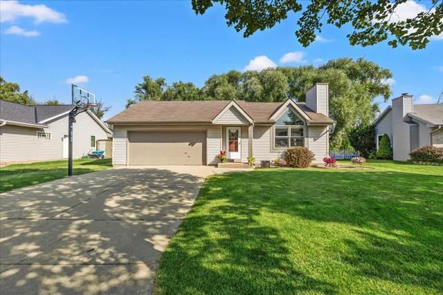 4150 E Barton Rd, Oak Creek, WI 53154 (#1758798) :: Tom Didier Real Estate Team