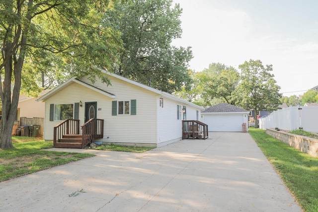 821 92nd Pl, Pleasant Prairie, WI 53158 (#1758827) :: Re/Max Leading Edge, The Fabiano Group