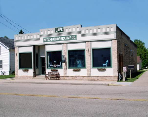 238 S Schuyler St, Neosho, WI 53059 (#1758835) :: EXIT Realty XL