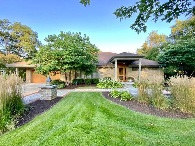 3420 Mountain Dr, Brookfield, WI 53045 (#1759027) :: EXIT Realty XL