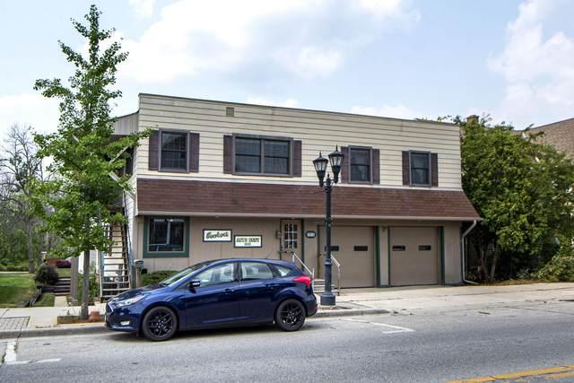 2915 N Brookfield Rd, Brookfield, WI 53045 (#1759037) :: Tom Didier Real Estate Team